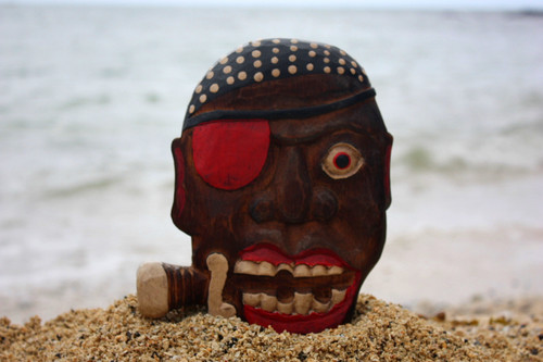 """Pirate w/ Knife Wall Plaque 8"""" - Decorative Pirate Mask 