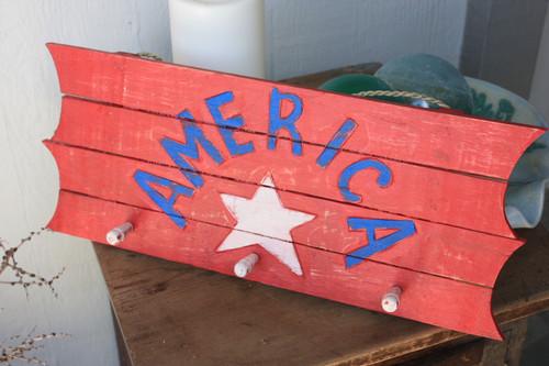 "Wooden Sign/Hanger""America"" on Planks 20"" - 3 Pegs | #dpt531650"