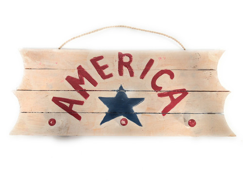 "America Hanger on Planks 20"" - 3 Pegs Americana Decor 