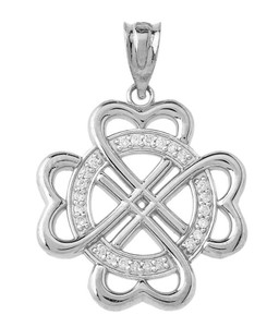 Heart-Shaped Clover Pendant Necklace in Sterling silver