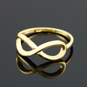 Polished Gold Infinity Ring