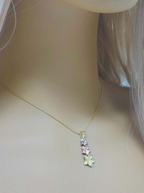 29176aa7332f2 Elegant Plumeria Flower Pendant Necklace in Tri Color Gold