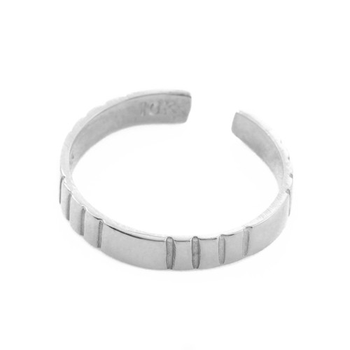 Classic Silver Toe Ring with Stripes