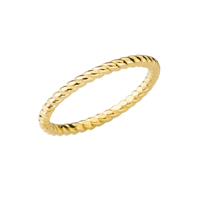 Chic Rope Ring in Yellow Gold
