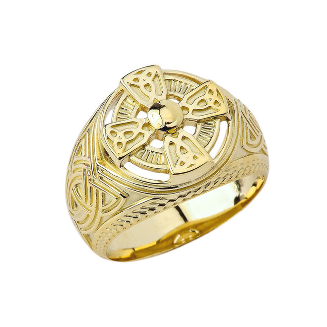 Mens Celtic Trinity Knot Ring in Yellow Gold