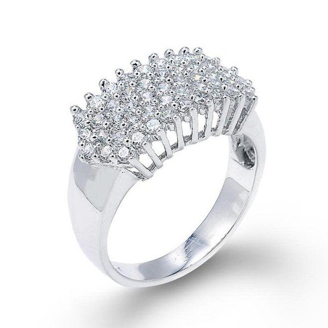 14k White Gold Diamond Cluster Prong Ring