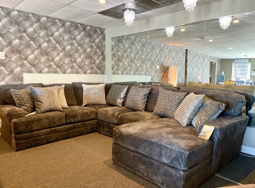 3 PIECE SECTIONAL: LSF SOFA SECTION, ARMLESS LOVESEAT, & RSF CHAISE.