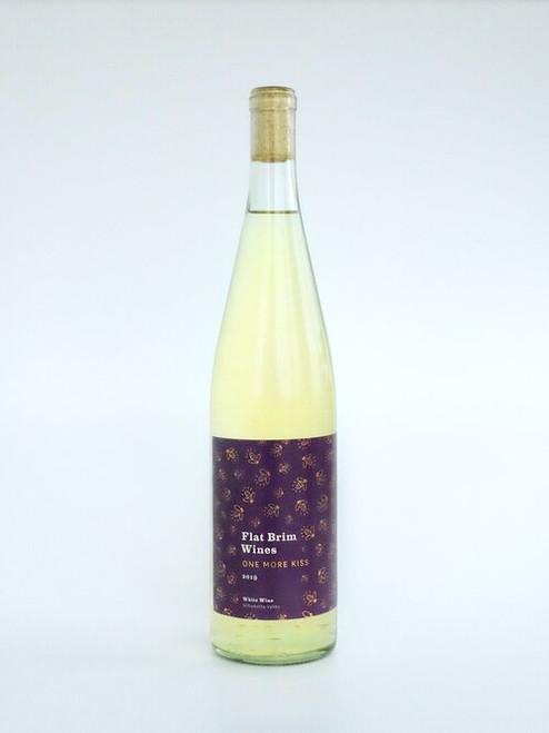 Flat Brim One More Kiss, 750ml bottle