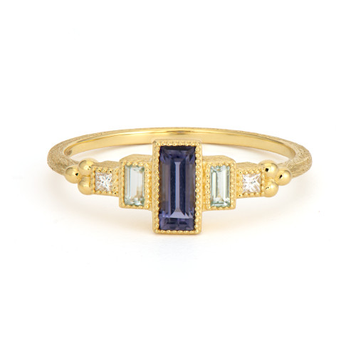 18KT Petite Five Step Ring
