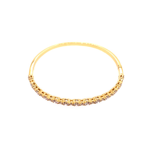 Round Brilliant Cut Diamond Bangle