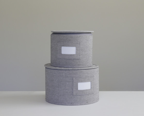 """Grey Twill Hard Shell(tm) Round China Plates Storage Container With Secure Lid (11.5"""" and 9.5"""" Set-2)"""