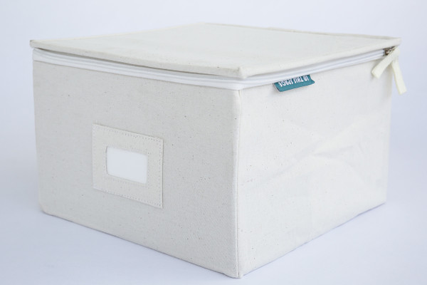 Medium Canvas Box with Zipper Lid in Oatmeal