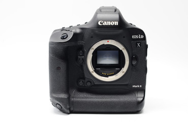 Pre-Owned Canon EOS-1DX Mark II DSLR Camera (Body Only)