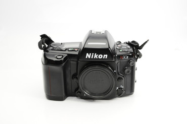 Pre-Owned - Nikon N90s film camera Body only