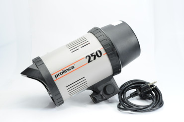 Pre-Owned Prolinca 250w/s strobe light