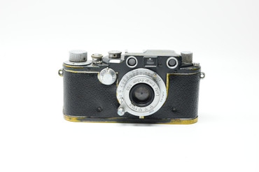 Pre-Owned - Leitz Leica IIIc K Grey W.H. w. 3.5/5cm W.H Elmar W/brown case, body skin is been replaced