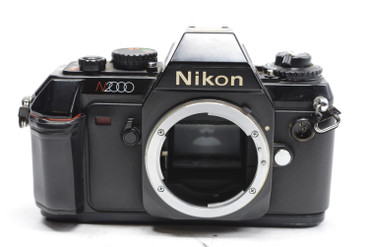 Pre-Owned Nikon N2000 35mm Film Camera w/35-70mm F/3.3-4.5 Lens
