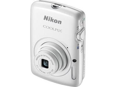 COOLPIX S01 Digital Camera (White)