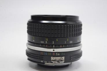 Pre-Owned - Nikon  28Mm F/3.5 AI Manual focus lens
