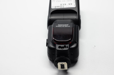 Pre-Owned Neewer NW-670 Flash for Canon