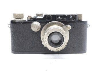 Pre-Owned - Leica I BLACK (1930) (SN#:25686) (Total Made: 12,640) w/  Elmar 50mm F/3.5 Lens (1933) (SN:173380) (Total Made: 39,384)