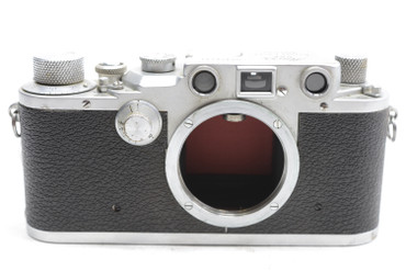 Pre Owned - Leica IIIc RED CURTAIN (1941-42) (SN:376431, 562388) w/ 50mm F/2.0 lens (Total Created: 20,550) (Lens SN:562388, Summitar 50mm f/2 1941, 6000 total made).