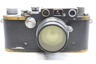 Pre Owned - Leica IIIC BLACK (1941-42) (SN#: 387743) (Total Made: 20,550) w/Summitar 50mm(5cm) F/2.0 lens (1939) (SN#:508057) (Total made: 5,500)