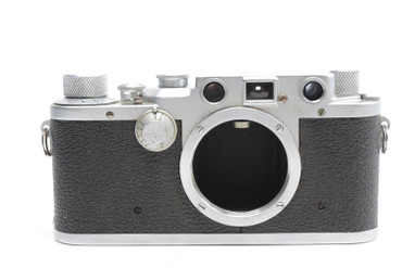 Pre-Owned Leica IIIC (1946-1947) SN#:401180,  Body Only (Total made: 40,001)