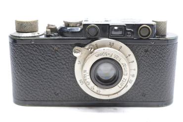 Pre-Owned - Leica II BLACK (1932) (SN: 83636) (Total made: 29,801) w/ Elmar 50mm F/3.5 Lens (1931) (SN:124490) (Total Made:29,576)