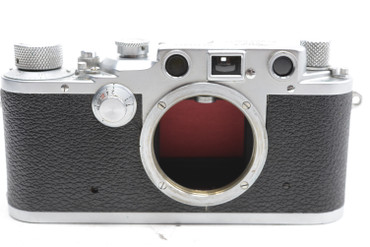 Pre Owned - Leica IIIc RED CURTAIN (1941-42) (SN:370974) (Total Made: 20,550) w/ Lens (SN:563404) Summitar 50mm f/2 (1941), 6000 total made.
