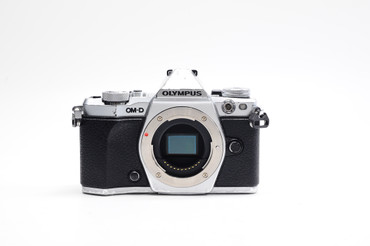 Pre-Owned - Olympus OM-D E-M5 (body silver)