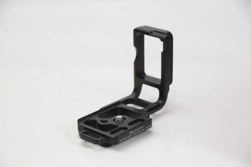 Pre-Owned BL-K20 L Bracket For Pentax K20