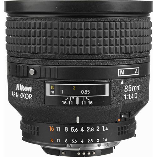 Nikon AF FX 85mm f/1.4D IF