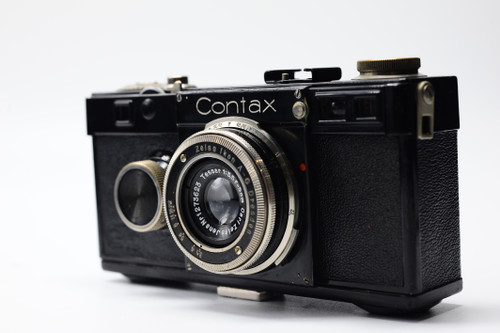 Contax i 1933 with Carl Zeiss Jena 5CM F3.5 film rangefinder view from front.