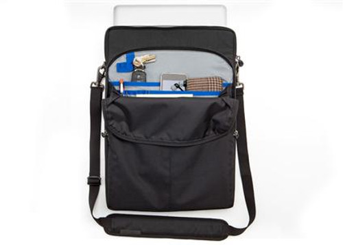 590 Artificial Intelligence™ 17 V3.0 Laptop Bag