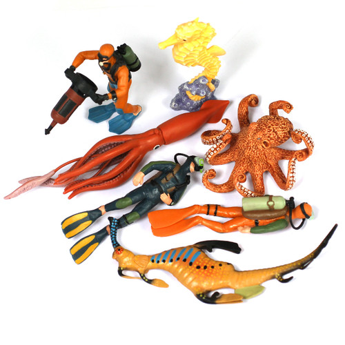 Ocean World Set of 7 Divers and Sea Creatures