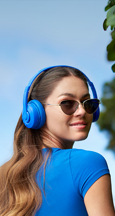 WIRELESS SOUND. <br/>TIMELESS LOOK.
