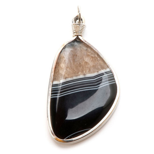 Wire Wrapped Jewelry Pendant - Agate and Black