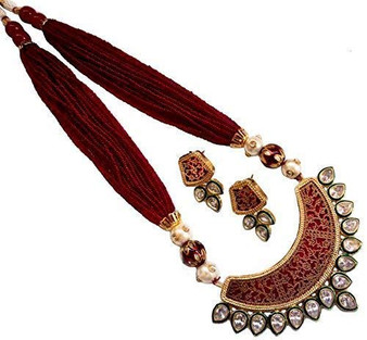Maroon Thewa Necklace
