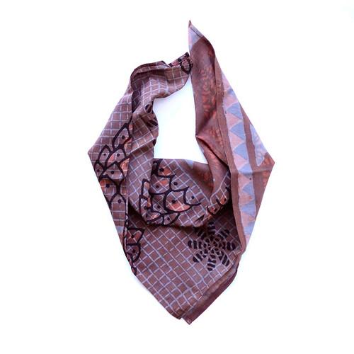 blue maroon neckerchief