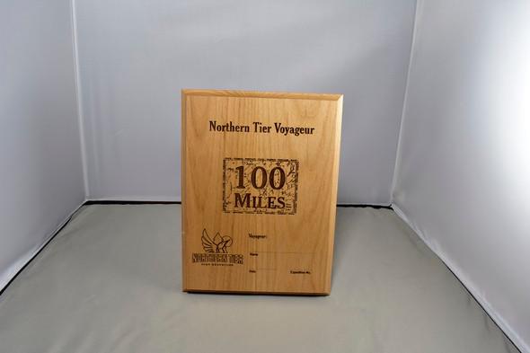 Plaque. Voyageur 100 Miles