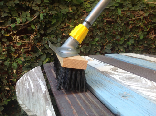 Handy Float Broom