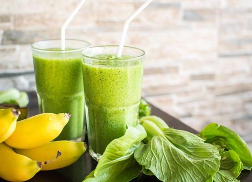 Spinach, Banana, Pinaapple Smoothie/ Batido Verde espinacas, banana, piña.