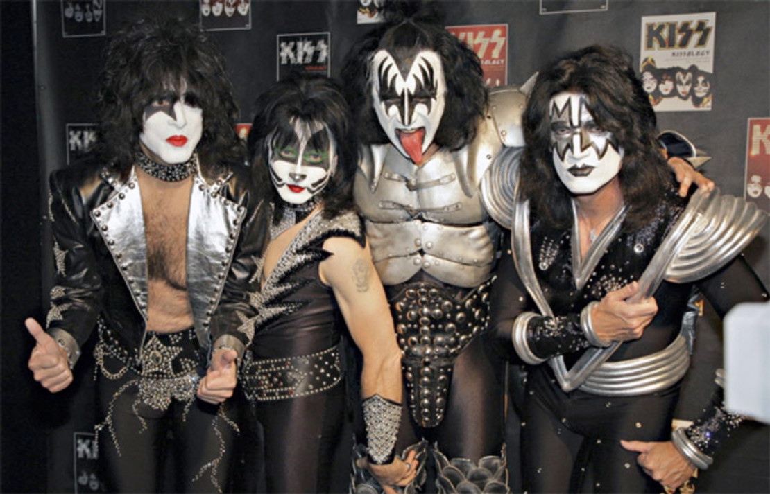 "KISS ANNOUNCE 75 MORE ""END OF THE ROAD"" CONCERT DATES INCLUDING THEIR ABSOLUTE FINAL SHOW"