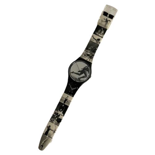 Swatch GB178PACK Unisex Vintage Watch Gift Pack by Annie Liebovitz - watch front
