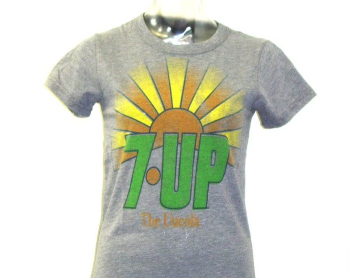 7Up Classic 1970s Logo with The Uncola Advertising Slogan Women's Gray Vintage T-shirt by Junk Food Clothing