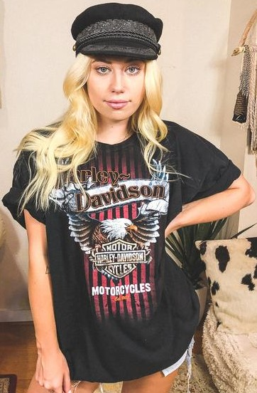 harley-davidson-motorcycle-logo-unisex-vintage-fashion-t-shirt-trendy-tipsy-model.jpg
