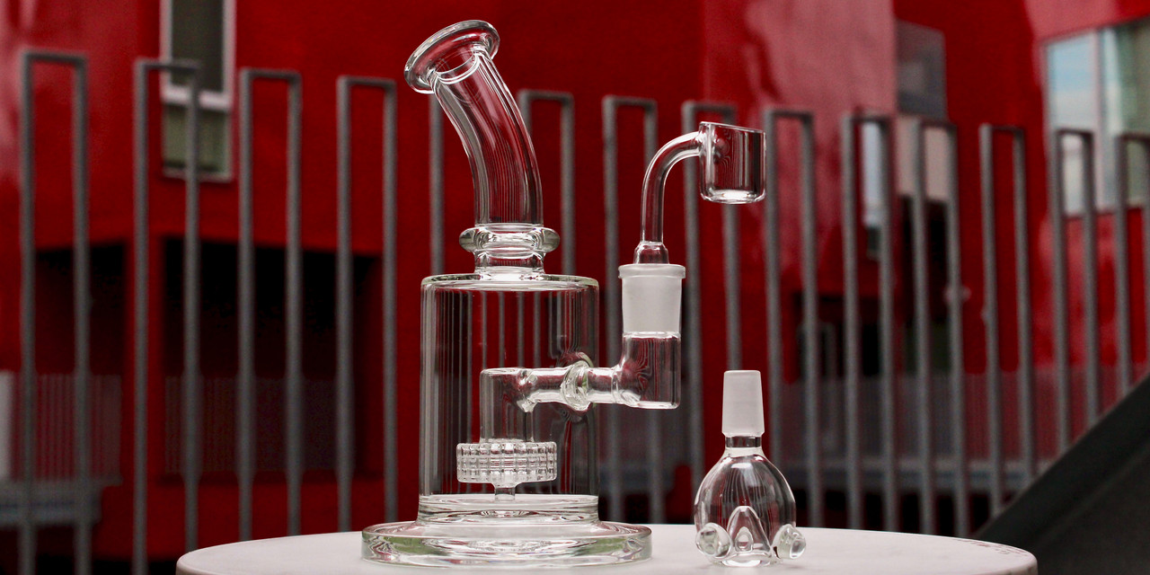 Glassics Affordable Functional Clear Scientific Glass Bubblers Dab Rigs Bangers Water Pipes