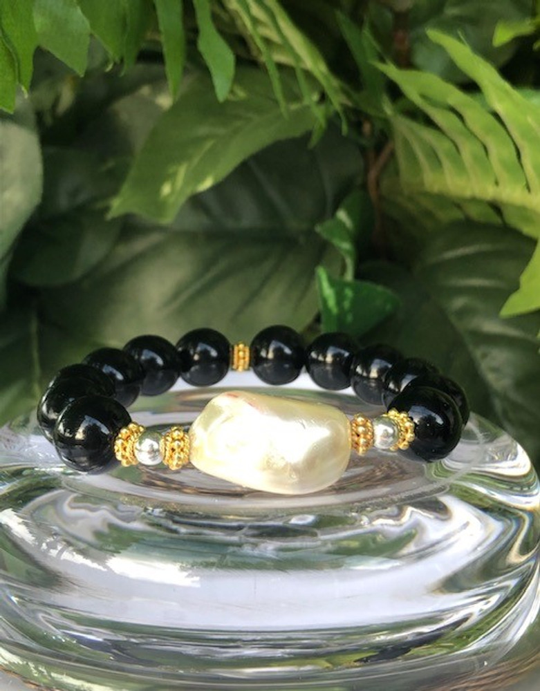 Onyx Bracelet with Baroque Pearl Focal Bead