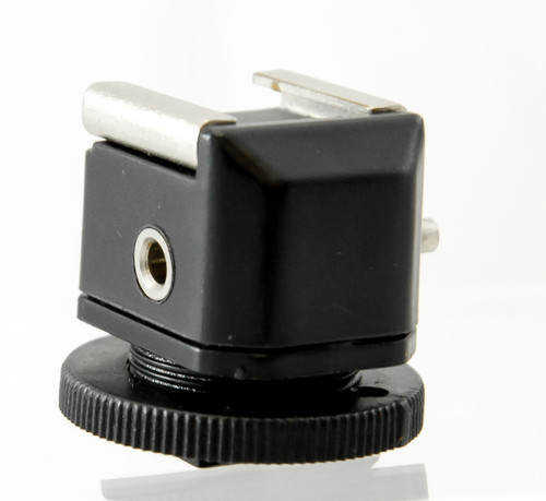 PCV Shoe Adapter Hot Shoe to 3.5mm(F)